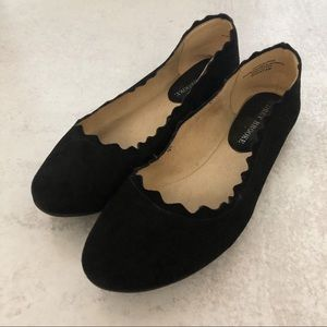 Audrey Brooke Winny Scalloped Suede Ballet Flats